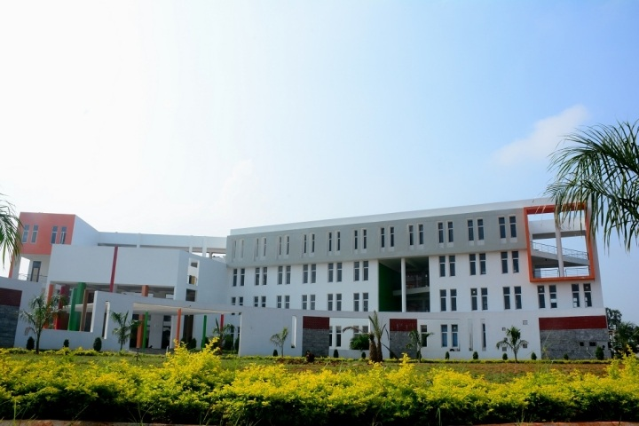 https://cache.careers360.mobi/media/colleges/social-media/media-gallery/7691/2019/2/18/College building of Avvaiyar College of Engineering and Technology For Women Thiruvandarkoil_campus-view.jpg
